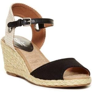 Lucky Brand Shoes - 🎉HP🎉LUCKY BRAND Wedge Sandals
